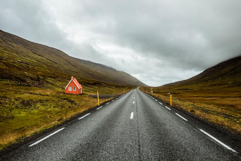 5 Essential Communications Strategies for Digital Nomads